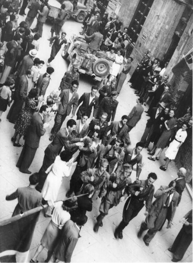 WAR NEWS. La liberazione della provincia di Siena  nei filmati dei reporter militari alleati