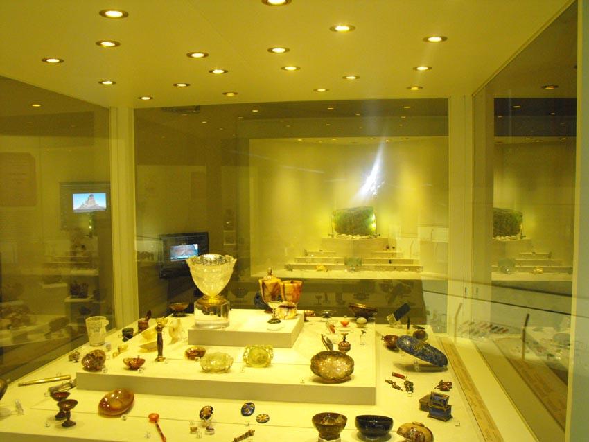 nuovo allestimento sezione di Mineralogia e Litologia